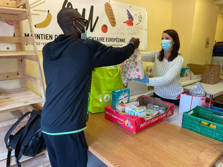 Des tote-bags solidaires, pour aider les étudiants les plus précaires
