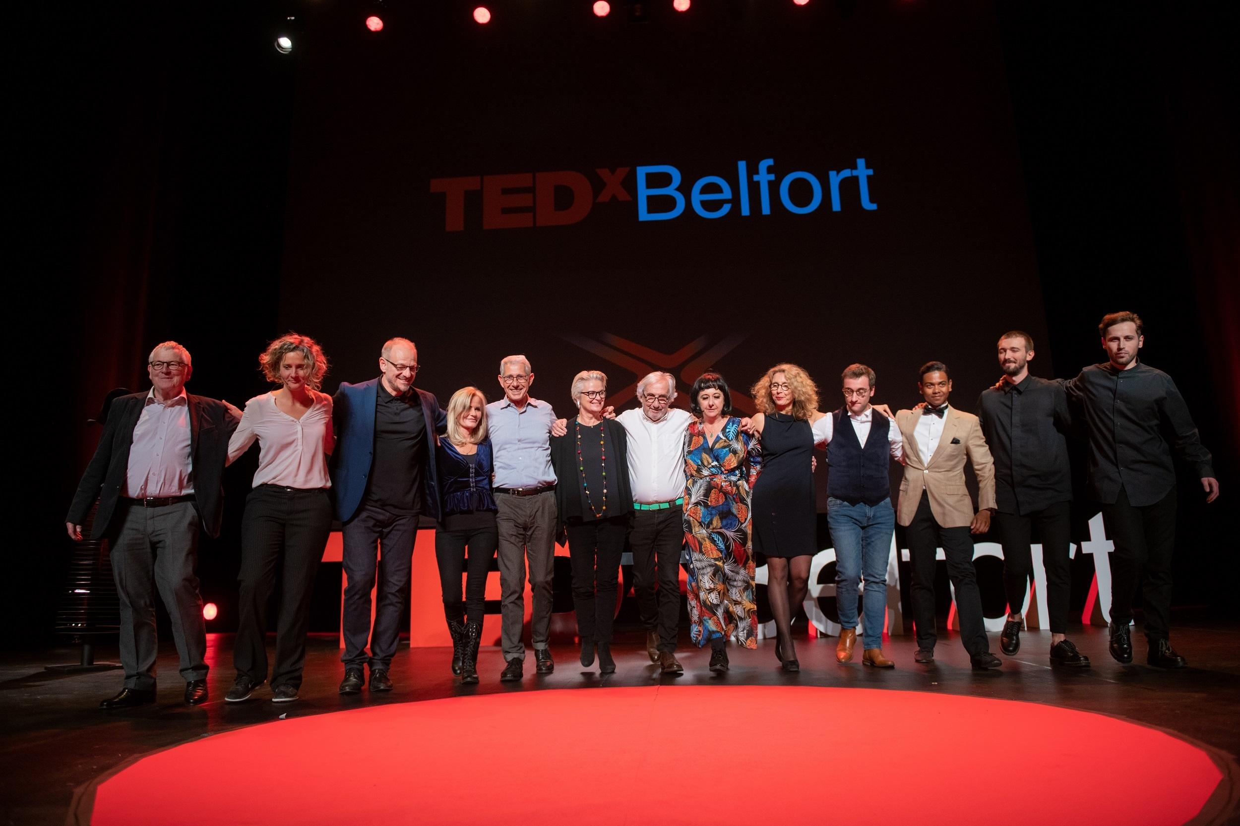 Speakers qui saluent-TedX Belfort