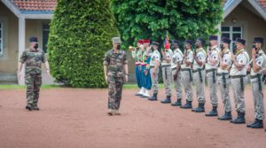 Le 10 juin, le général Thierry Burkhard, chef d'état-major de l'armée de terre était en visite au 35e régiment d'infanterie. Il vient d'être nommé chef d'état-major des armées.