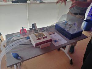 Pendant 2 jours, des étudiants ont planché sur des innovations dans le secteur du handicap, au Crunch Lab. Ici, c'est un simulateur de poumon.