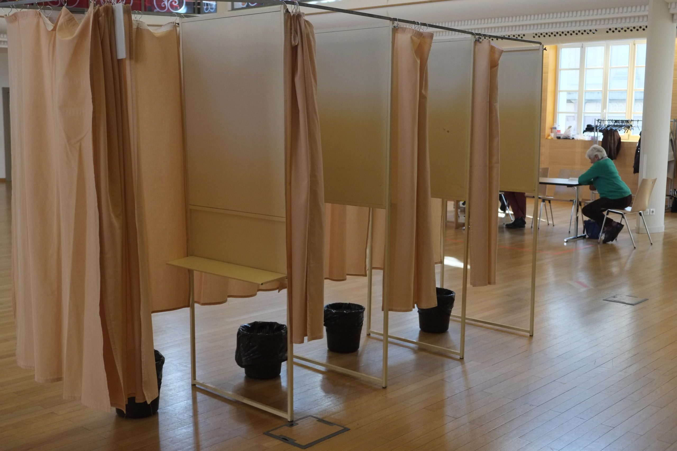 isoloir vote élection (TQ)