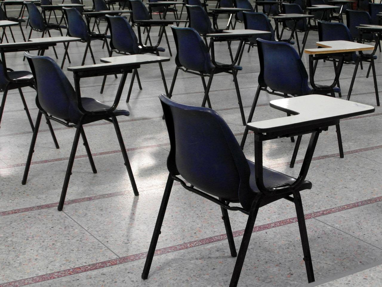 chaises examens école (