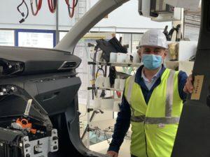 Christian Texeira, responsable de Sochaux 2022, à l'usine Stellantis de Sochaux.