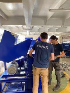 Dans le laboratoire flottant de Plastic Odyssey, actuellement amarré à Dunkerque.