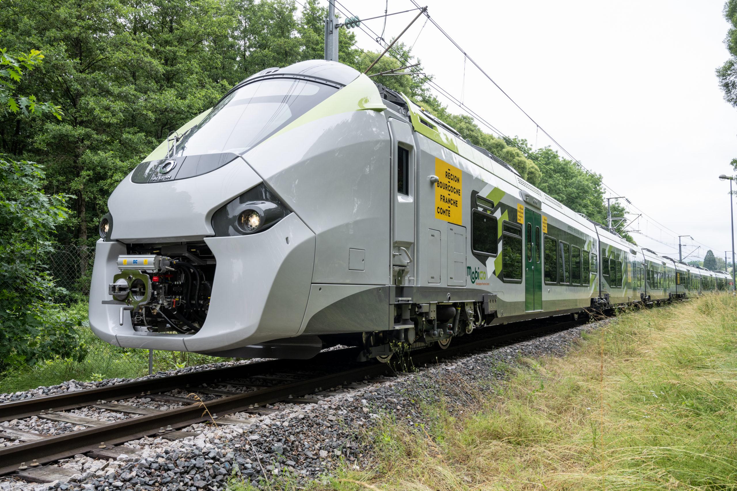 Train Coradia Polyvalent aux couleurs de la Région Bourgogne-Franche-Comté (copyright Alstom_Frédérique Clement)