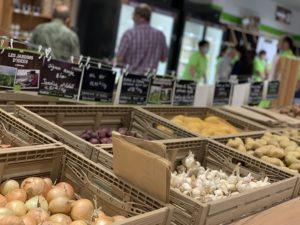 L'enseigne Coeur paysan a ouvert un magasin de producteurs à Sochaux, avec une surface de vente de 300 m2. 1300 références de produits sont accessibles.