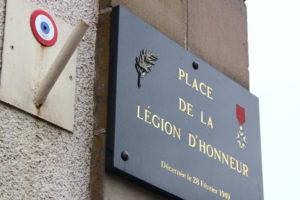 Le village a reçu la légion d'Honneur et la croix de guerre avec palme.