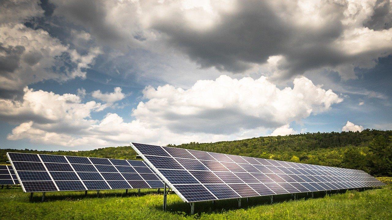 panneaux solaires (Zsuzsa Bóka de Pixabay)