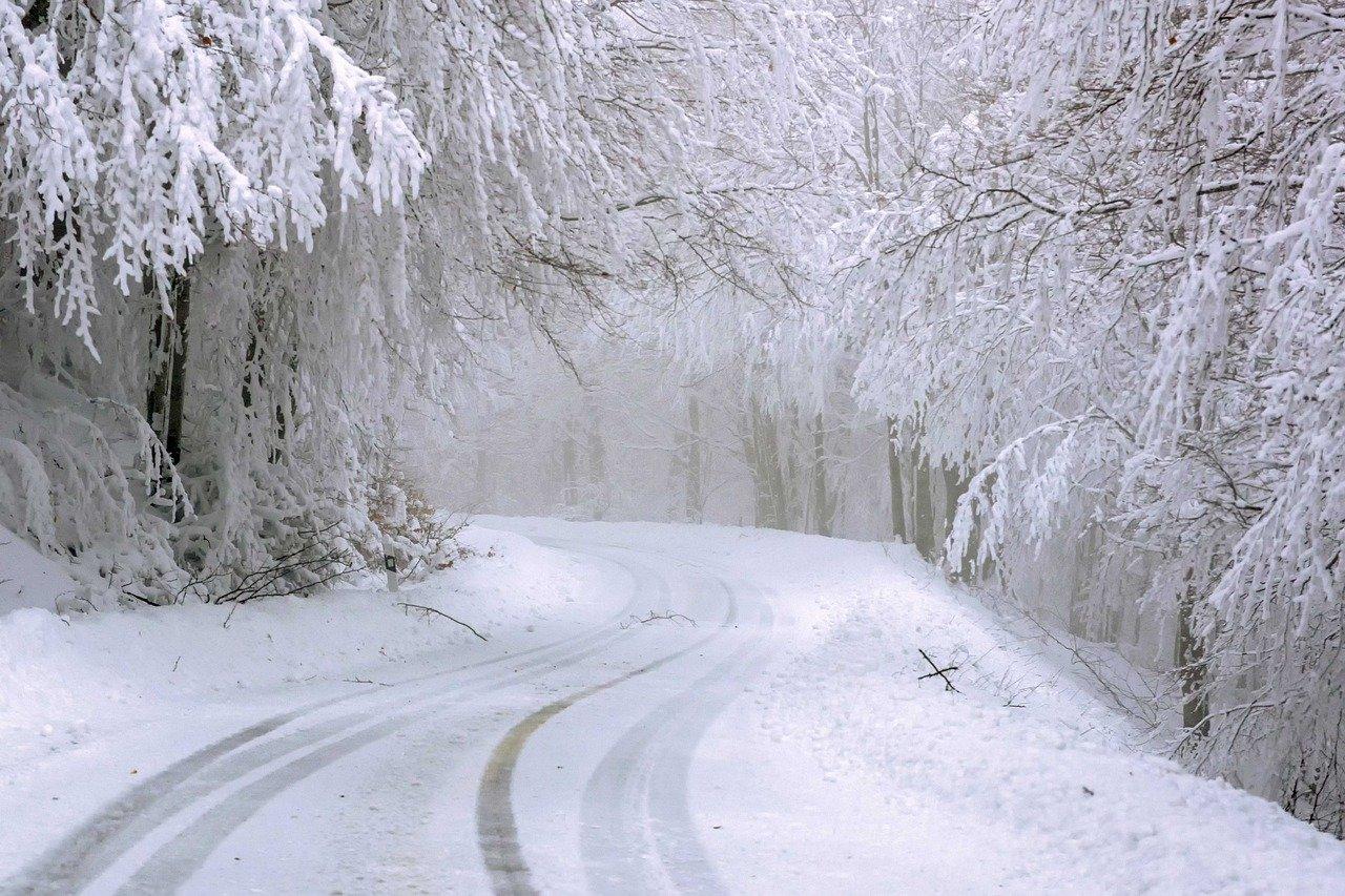 route neige (Ioannis Ioannidis de Pixabay)