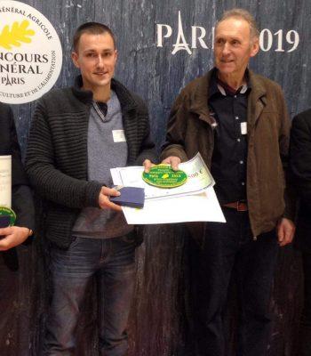 Quentin Guyot et Francis Briot, les agriculteurs récompensés (Crédit : CD90).